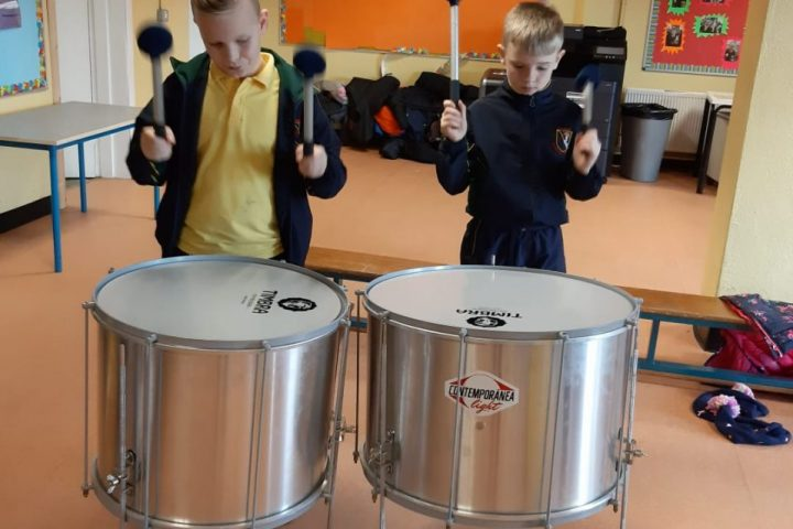 Ms Llewellyn's Class Samba Workshop!