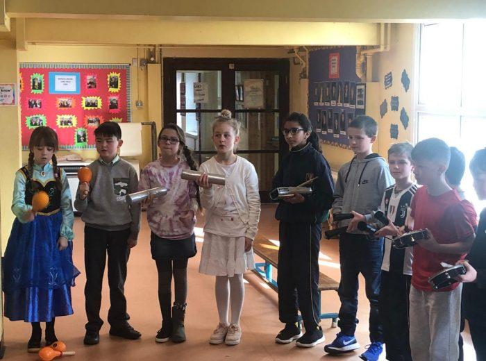 Ms Hannon's 4th Class Samba Workshop 🥁